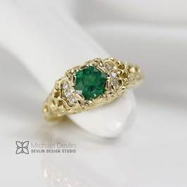 emerald ring, 18k gold